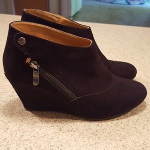 Chinese Laundry black suede booties 7.5M